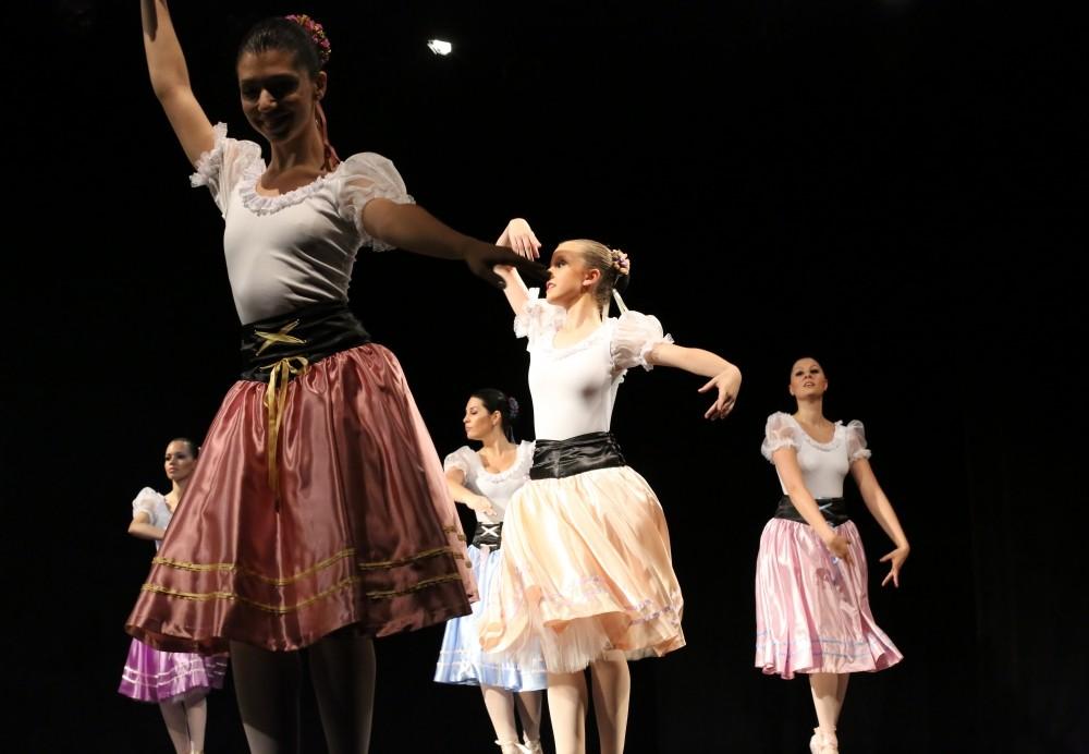 Aula de Danças Onde Encontrar na Vila Giordano - Aula Dança de Salão