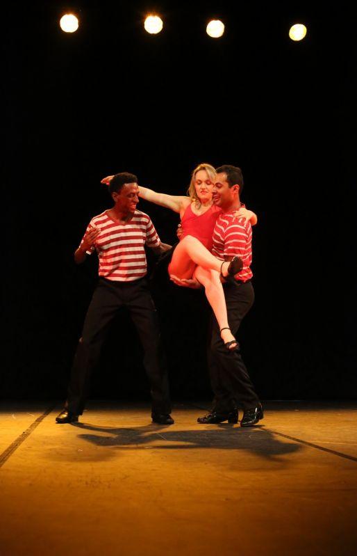 Aulas de Dança Onde Achar na Vila Elba - Aulas de Danças de Salão