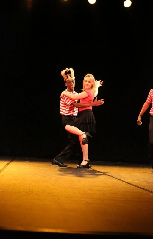 Escola de Dança na Vila Cruzeiro - Aulas de Danças de Salão