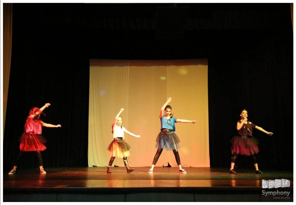Escolas de Dança Onde Encontrar no Jardim Robru - Aulas de Danças de Salão