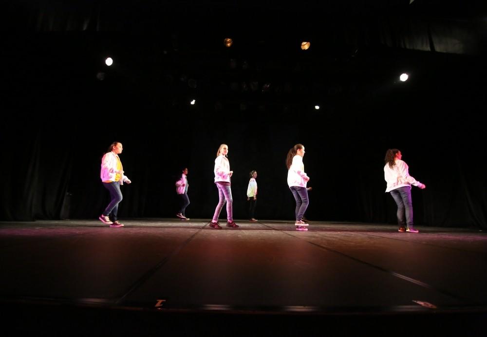 Onde Fazer Aulas de Dança de Salão no Jardim Clara Regina - Aulas de Dança na Zona Leste