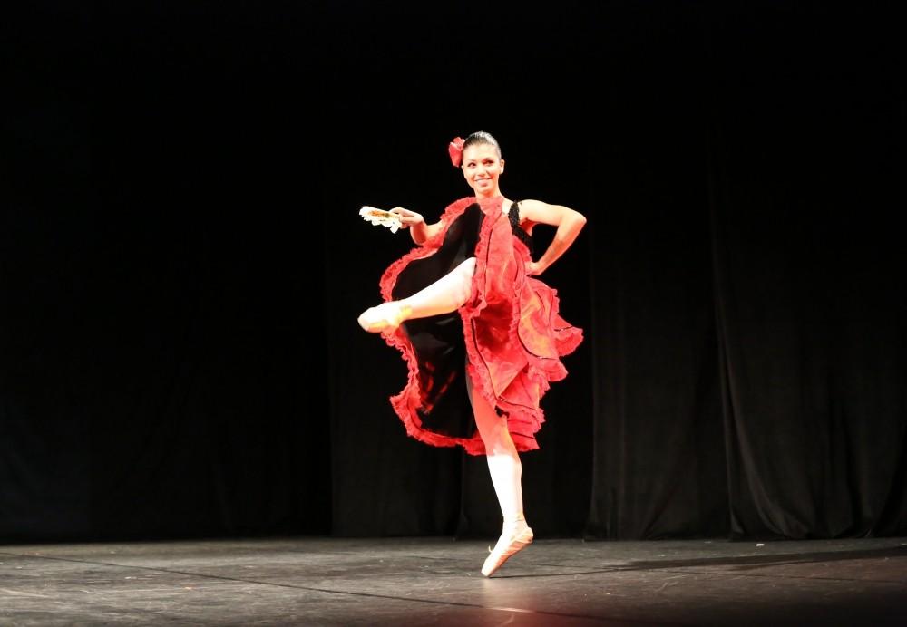 Preço de Aula Dança de Salão no Parque Líbano - Preço Aula de Dança