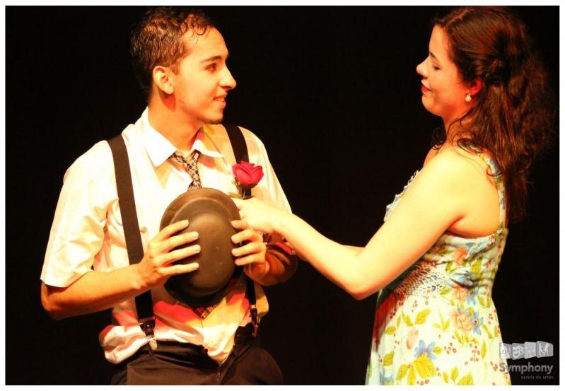 Preço para Fazer Aula de Teatro na Cidade Antônio Estevão de Carvalho - Preço Curso de Teatro